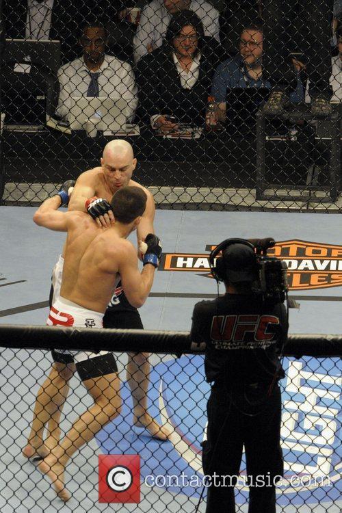 Jake Ellenberger vs Sean Pierson  UFC 129...