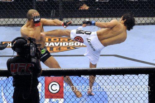 Charlie Valencia vs Ivan Menjivar  UFC 129...