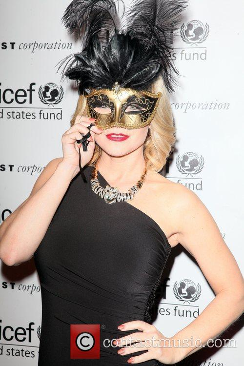 Carrie Keagan 2nd Annual UNICEF Masquerade Ball New...