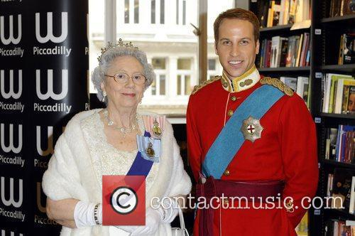 Queen Elizabeth Ii and Prince William 2