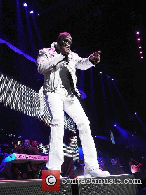 Akon and Usher 6