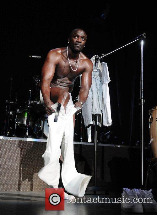 Akon and Usher 8