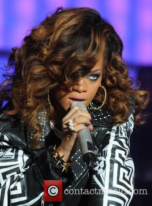 Rihanna 46