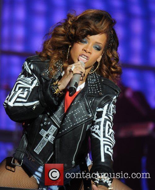 Rihanna 55