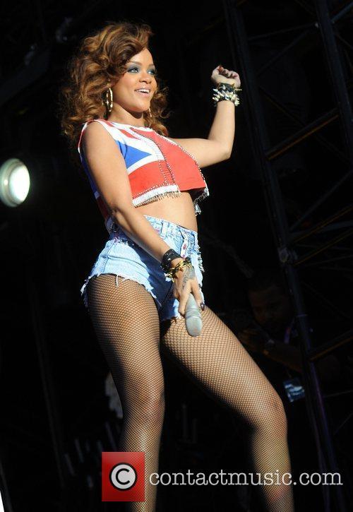 Rihanna 44