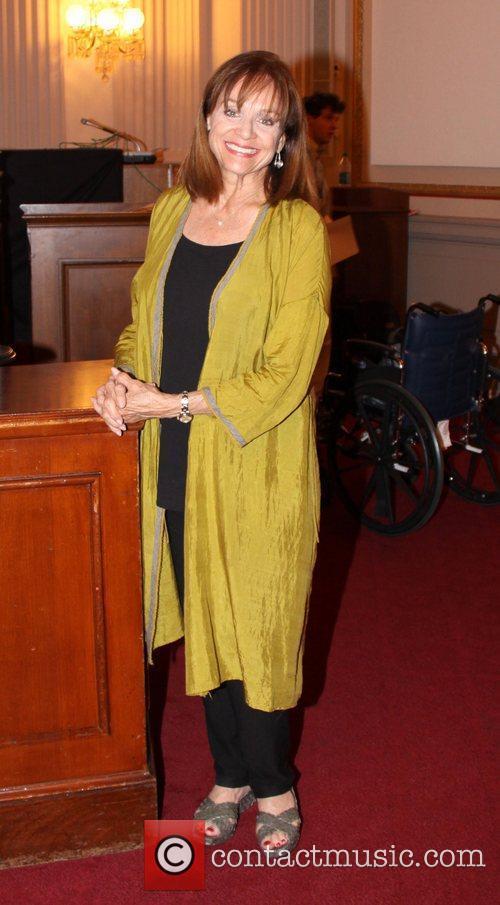 Valerie Harper 3