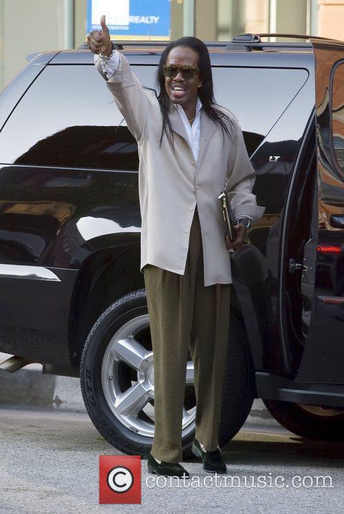 Verdine White leaving a medical building in Beverly...