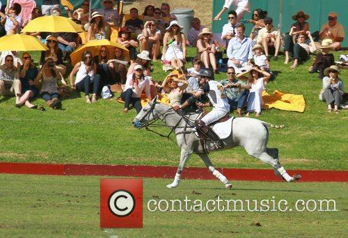 Atmosphere and Nacho Figueras 9