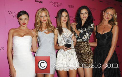 Miranda Kerr, Adriana Lima, Alessandra Ambrosio and Erin Heatherton 6