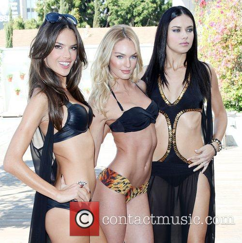 Alessandra Ambrosio and Adriana Lima 3