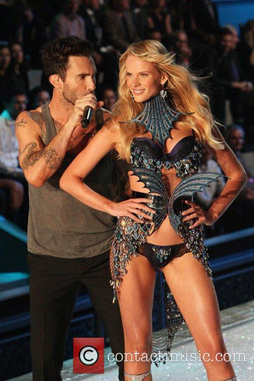 Adam Levine, Maroon 5 and Victoria's Secret 5