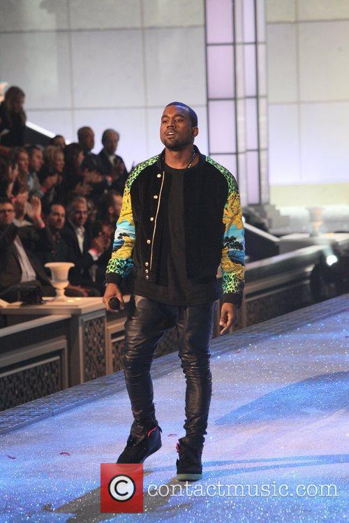 kanye west 2011 victorias secret fashion show 5752755
