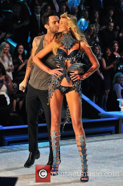 Adam Levine and Victoria's Secret 11