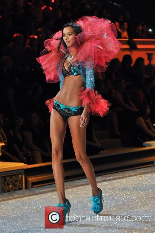 Model, Alessandra Ambrosio and Victoria's Secret 7