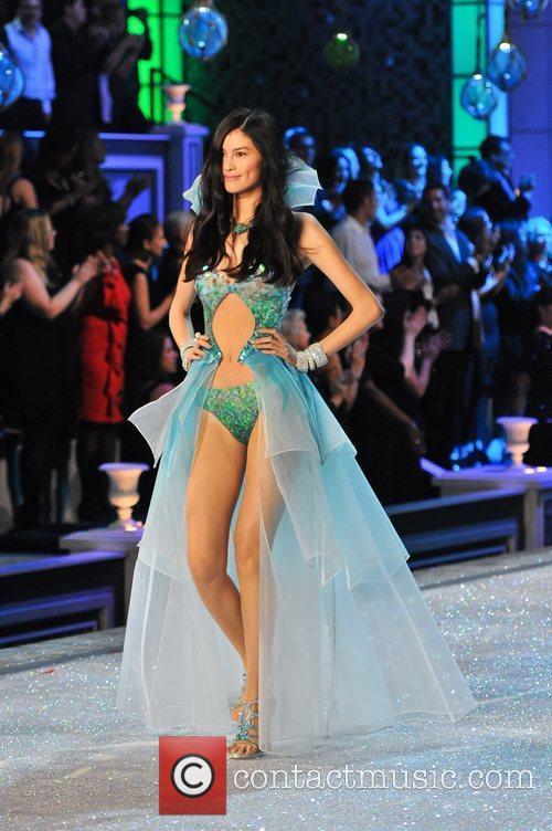 Model, Alessandra Ambrosio and Victoria's Secret 1
