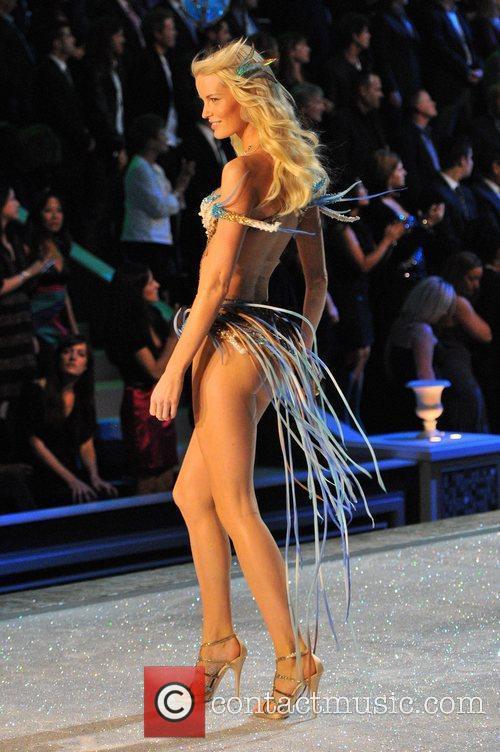 model 2011 victorias secret fashion show at 3602872