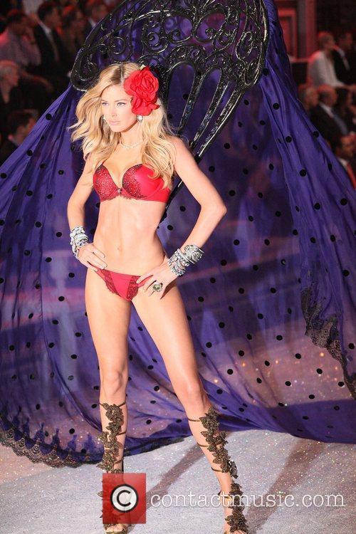 Model, Miranda Kerr and Victoria's Secret 13
