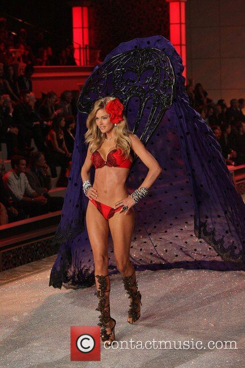 Model, Candice Swanepoel and Victoria's Secret 27