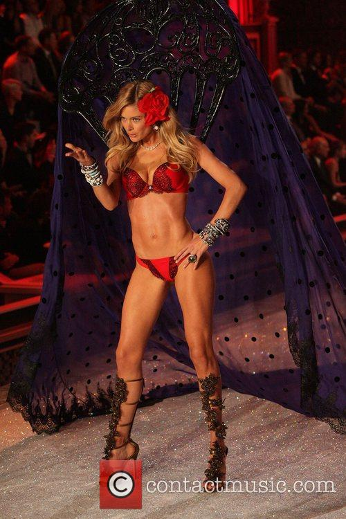 Model, Candice Swanepoel and Victoria's Secret 40