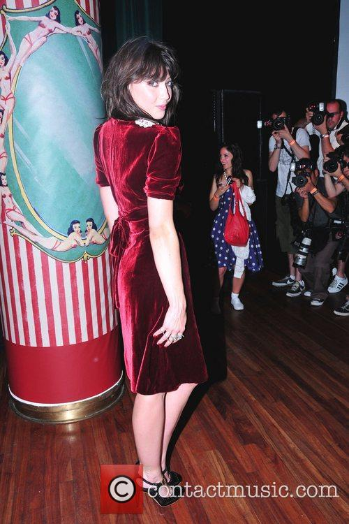 Daisy Lowe Pearl, Daisy and Betty Lowe unveil...