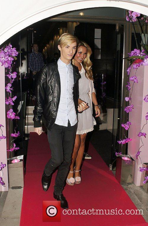 Sam Faiers, Harry Derbidge  Celebrities attend Vista...