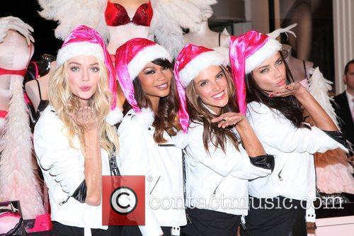 Chanel Iman, Adriana Lima, Alessandra Ambrosio and Victoria's Secret 3
