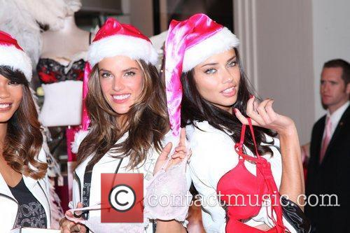 Alessandra Ambrosio, Adriana Lima and Victoria's Secret 3