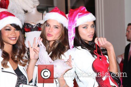 Chanel Iman, Adriana Lima, Alessandra Ambrosio and Victoria's Secret 5