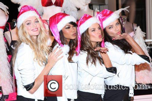 Chanel Iman, Adriana Lima, Alessandra Ambrosio and Victoria's Secret 6