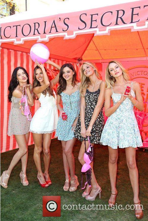 Adriana Lima, Alessandra Ambrosio, Erin Heatherton and Miranda Kerr 5