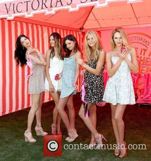 Adriana Lima, Alessandra Ambrosio, Erin Heatherton and Miranda Kerr 7