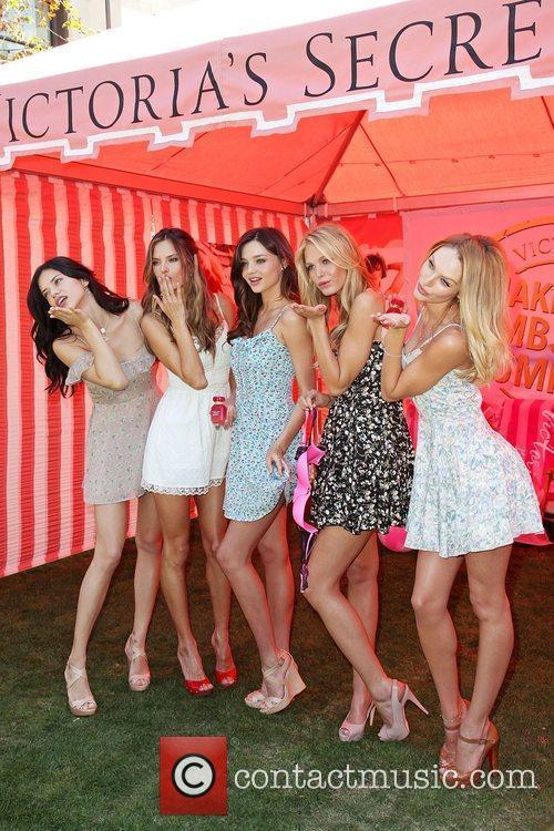 Adriana Lima, Alessandra Ambrosio, Erin Heatherton and Miranda Kerr 11