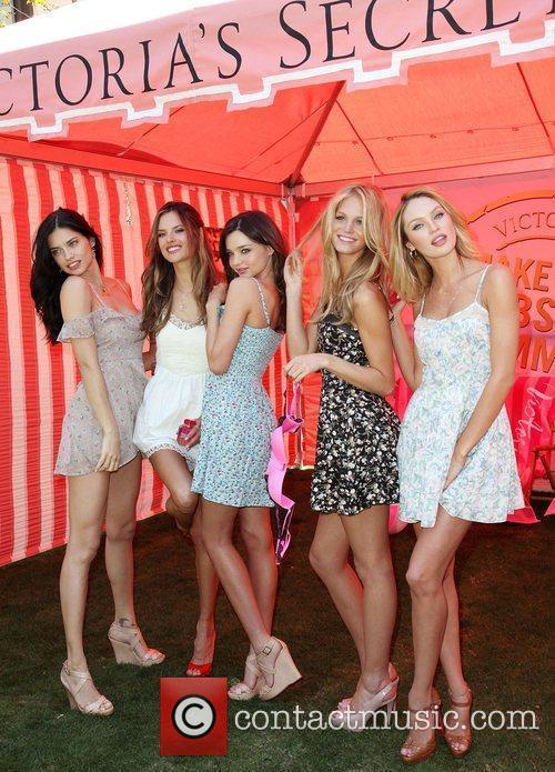 Adriana Lima, Alessandra Ambrosio, Erin Heatherton and Miranda Kerr 9