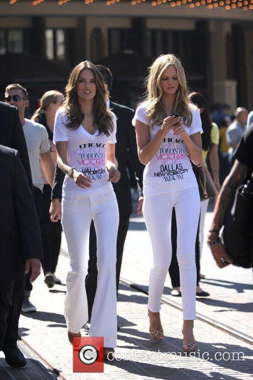 Alessandra Ambrosio and Erin Heatherton 8