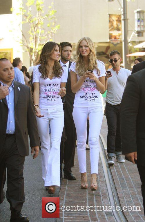 Alessandra Ambrosio and Erin Heatherton 6