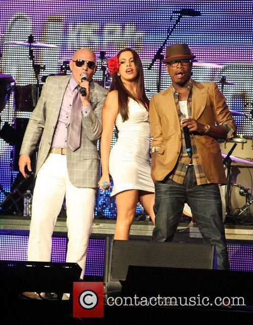 Pitbull and Ne-yo 8