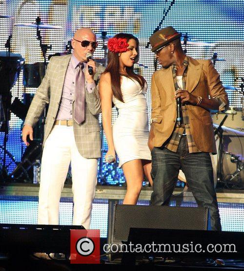 Pitbull and Ne-Yo 1
