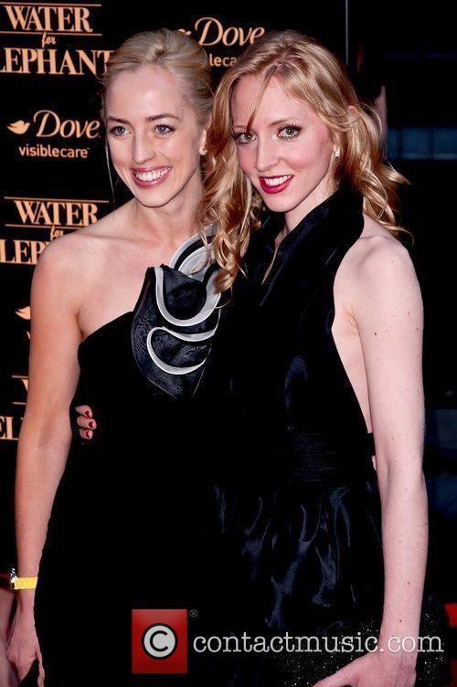 Victoria Pattinson And Lizzy Pattinson 9