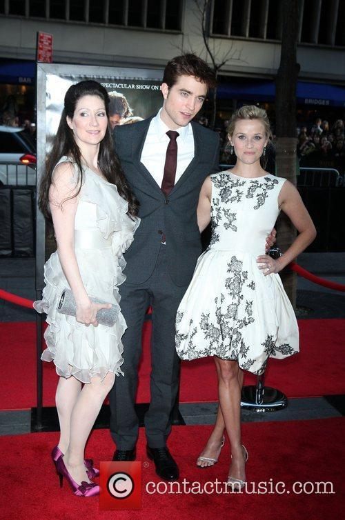 Robert Pattinson and Reese Witherspoon 6