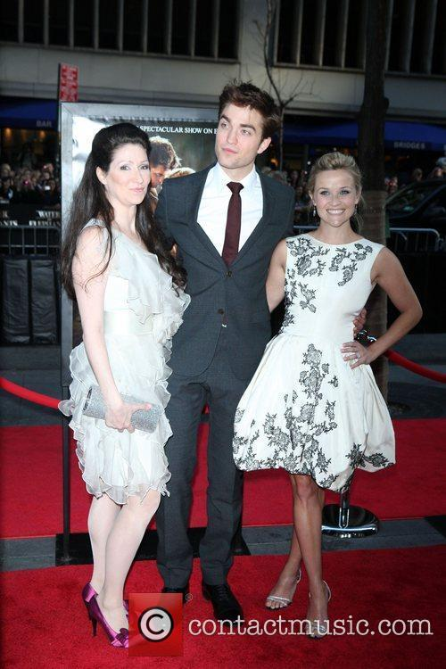 Robert Pattinson and Reese Witherspoon 4