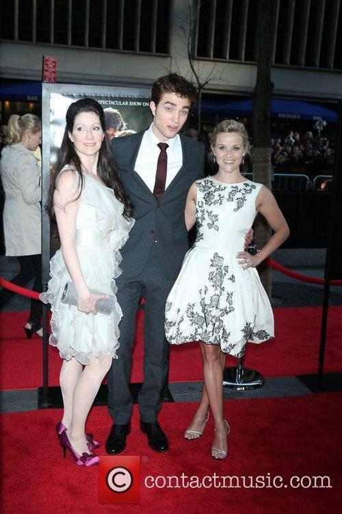 Robert Pattinson and Reese Witherspoon 7