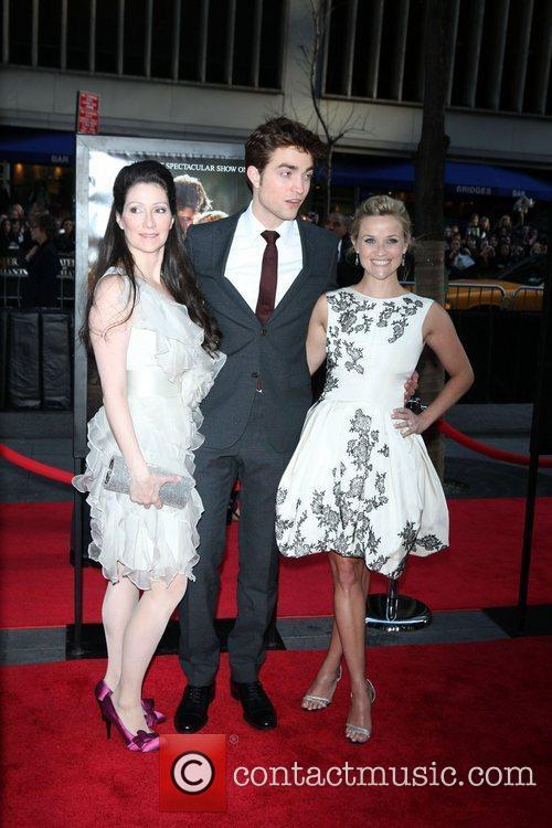 Robert Pattinson and Reese Witherspoon 8