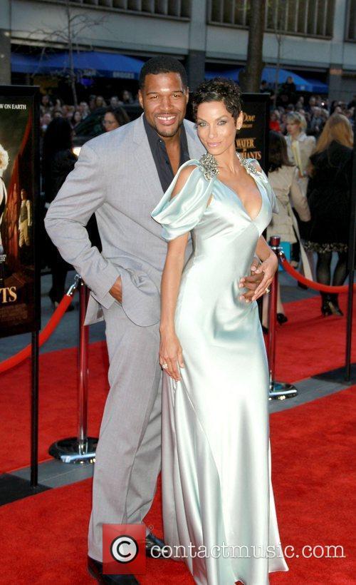 Michael Strahan and Nicole Murphy 4