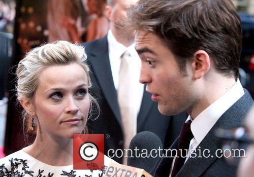 Reese Witherspoon and Robert Pattinson 3