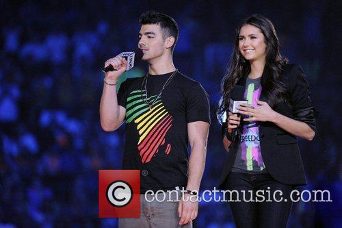 Joe Jonas and Nina Dobrev 10