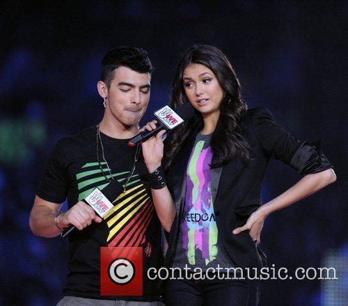 Joe Jonas and Nina Dobrev 9