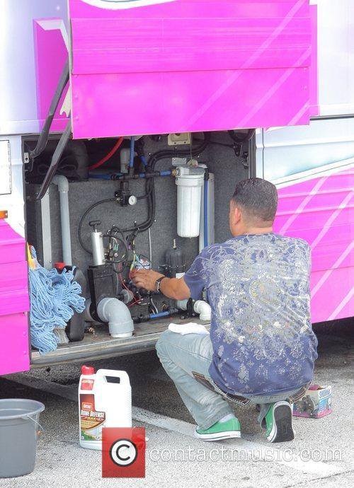 Mechanical issues on Wendy Williams' tour bus, for...