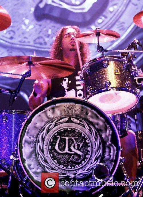 Whitesnake performing at Manchester O2 Apollo