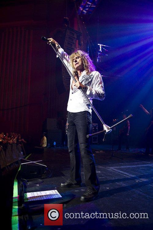 David Coverdale and Whitesnake 7