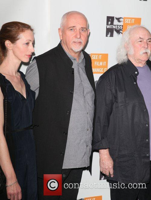 meabb flynn and peter gabriel with david 3604401